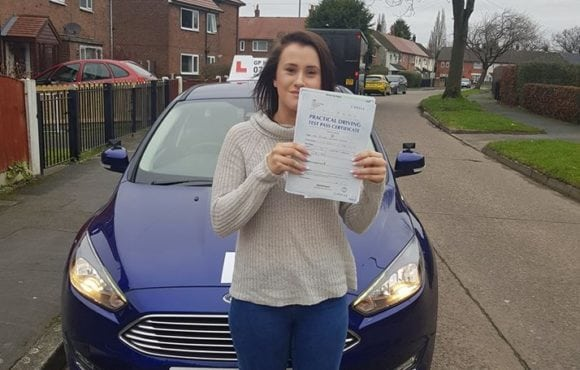 A huge congratulations to Beth Doolan for passing her driving test on 30/01/2018 in sale.